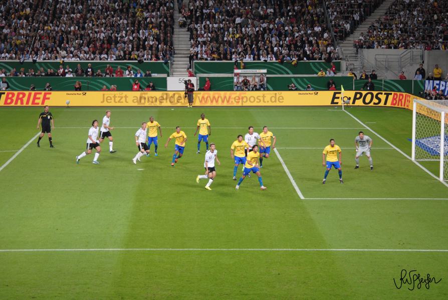 Foto tirada num amistoso entre o Brasil e a Alemanha (Stuttgart / Agosto de 2011) | Dieses Foto entstand bei einem Freundschaftsspiel zwischen Brasilien und Deutschland (Stuttgart August 2011)